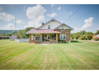 Single Family Home For Sale: 702 Massachusetts Ave