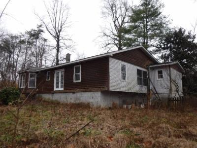 Sparta Single Family Home For Sale: 1207 Wigwam Street