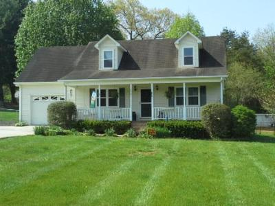 Algood Single Family Home For Sale: 2921 Deerhaven Dr. South