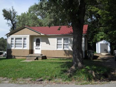 Sparta Single Family Home For Sale: 220 Bronson