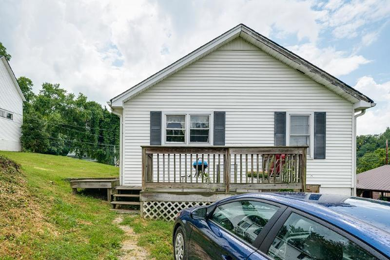 305 North Spring Street, Livingston, TN 38570 - Listing #:193265