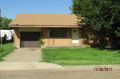 Fritch Single Family Home For Sale: 703 Vaughn S St.