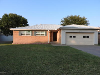 Fritch Single Family Home For Sale: 423 Overland Trl