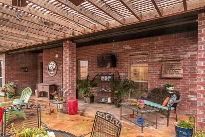 Single Family Home For Sale: 9905 Asher Ave