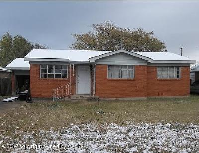 Fritch Single Family Home For Sale: 305 Vaughn Ave S.