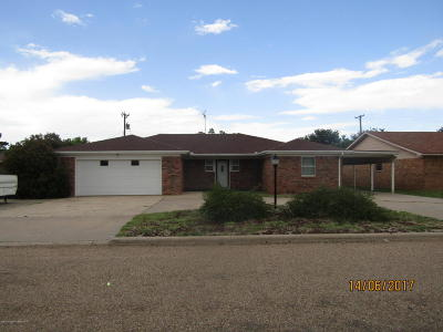 Fritch Single Family Home For Sale: 311 Mustang St