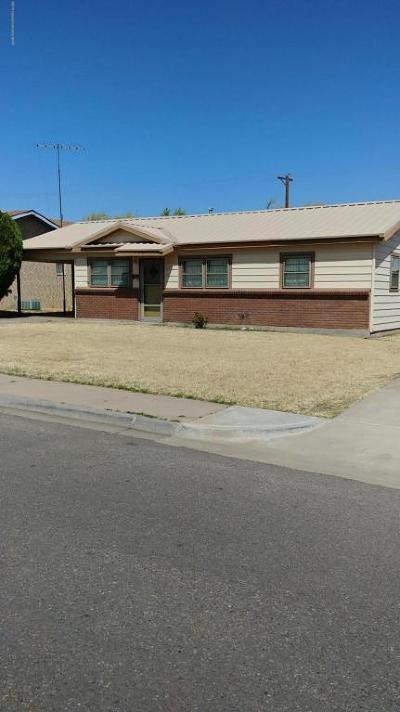 Borger Single Family Home For Sale: 136 Ocla
