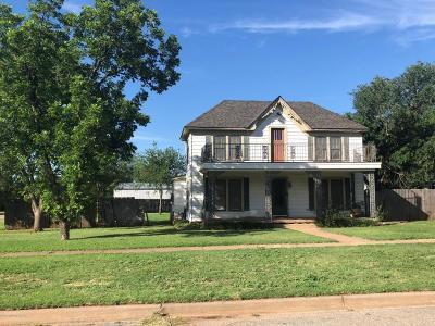 Single Family Home For Sale: 510 Avenue F SE