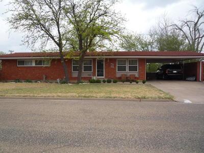 Borger Single Family Home For Sale: 217 Teague St