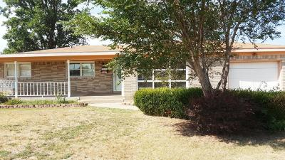 Borger Single Family Home For Sale: 412 Santa Fe