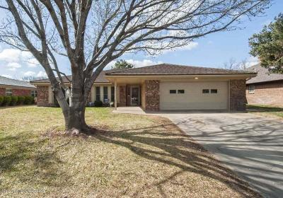 Single Family Home For Sale: 6509 Oakhurst Dr