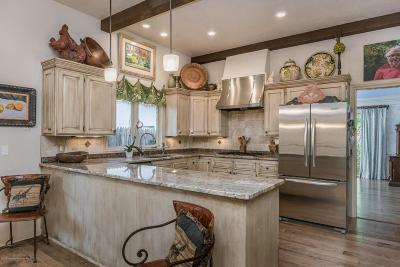 Single Family Home For Sale: 2806 Bonham St