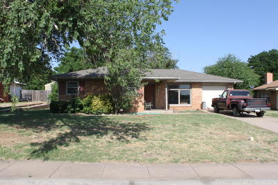 Borger Single Family Home For Sale: 1512 Bedivere St