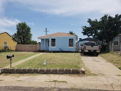 Borger Single Family Home For Sale: 1604 Yows