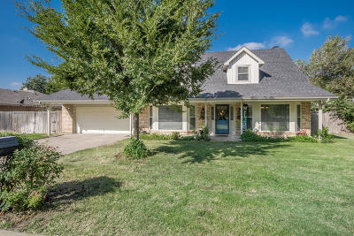 Borger Single Family Home For Sale: 204 Skycrest St