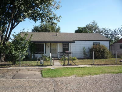 Borger Single Family Home For Sale: 215 Hickory St