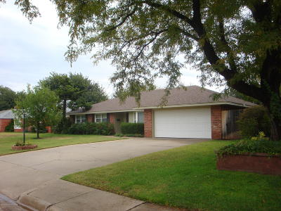 Amarillo Single Family Home For Sale: 6111 Adirondack Trl