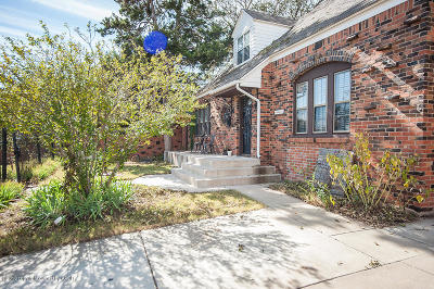 Single Family Home For Sale: 1022 Travis S St