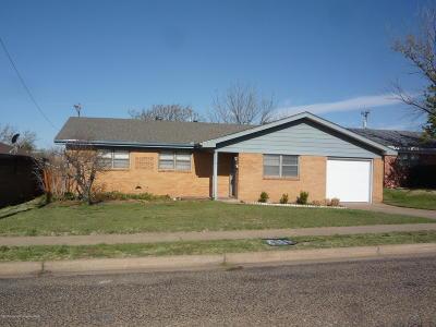 Borger Single Family Home For Sale: 1412 Primrose Ln