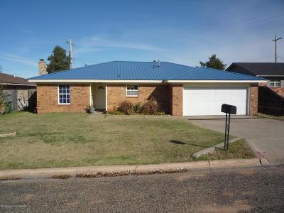 Borger Single Family Home For Sale: 149 Ocla East St