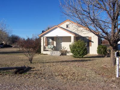 Fritch Single Family Home For Sale: 704 Cottonwood St