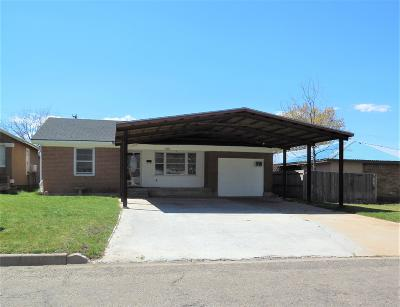 Single Family Home For Sale: 309 Houston St