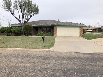 Borger Single Family Home For Sale: 1100 Coffee Dr