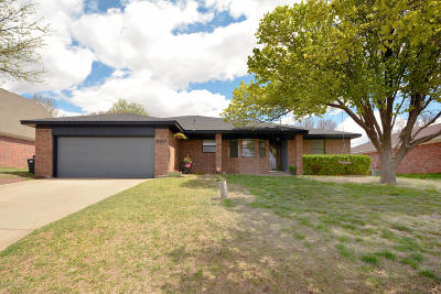 Borger Single Family Home For Sale: 807 Tranquility Ln
