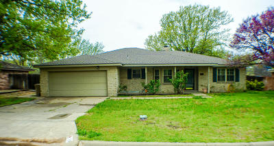 Borger Single Family Home For Sale: 214 Somerset St