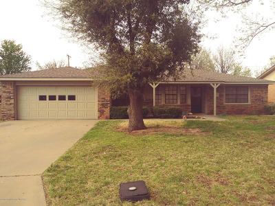 Borger Single Family Home For Sale: 210 Ocla St