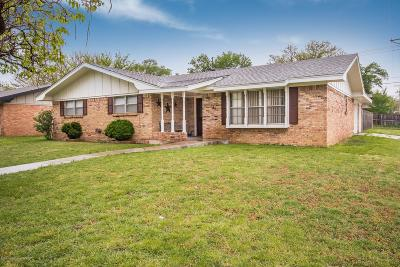 Single Family Home For Sale: 3400 Royal Rd