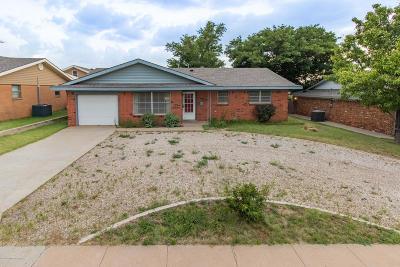 Borger Single Family Home For Sale: 105 Galahad