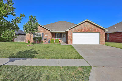 Single Family Home For Sale: 6500 Nick St