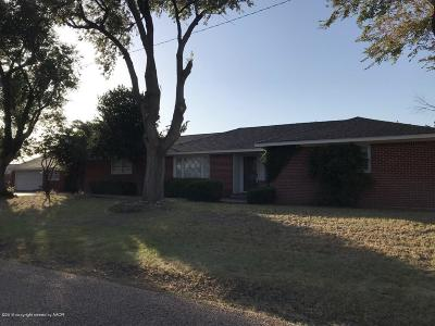 Fritch Single Family Home For Sale: 501 Walnut St