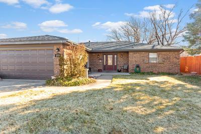 Single Family Home For Sale: 2726 Comanche