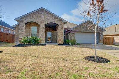 Bastrop Single Family Home For Sale: 121 Headwaters Dr