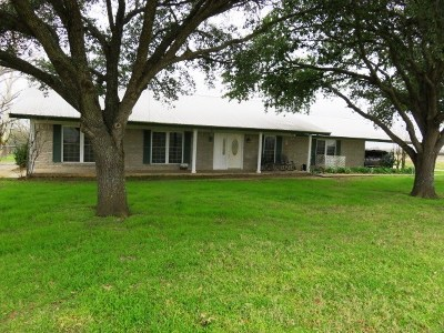 Elgin Single Family Home For Sale: 306 Upper Elgin River Rd