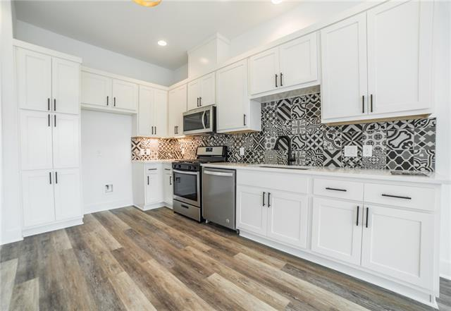 2 bed / 2 full, 1 partial baths Condo/Townhouse in Austin for $363,000