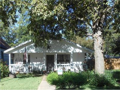 Smithville TX Single Family Home For Sale: $170,000