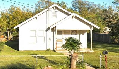 Lockhart Single Family Home For Sale: 100 Brazos St