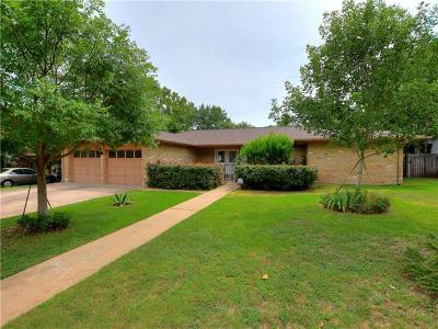 Menard County, Val Verde County, Real County, Bandera County, Gonzales County, Fayette County, Bastrop County, Travis County, Williamson County, Burnet County, Llano County, Mason County, Kerr County, Blanco County, Gillespie County Single Family Home For Sale: 204 Deepwood Dr