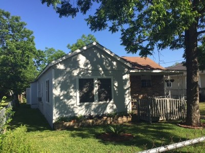 Single Family Home For Sale: 1131 Saucedo St
