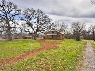 Elgin Single Family Home For Sale: 901 Old McDade Rd