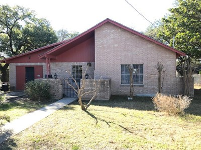 Lampasas Single Family Home For Sale: 504 S Spring St