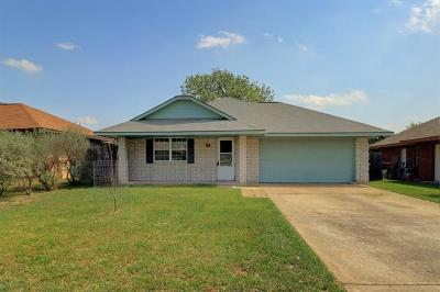 Leander Single Family Home Pending - Taking Backups: 408 Bentwood Dr