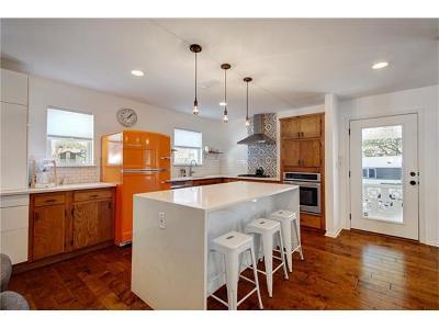 Single Family Home Pending - Taking Backups: 11502 Oak Knoll Dr