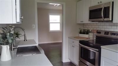 Bastrop Single Family Home Pending - Taking Backups: 805 Hawthorne St