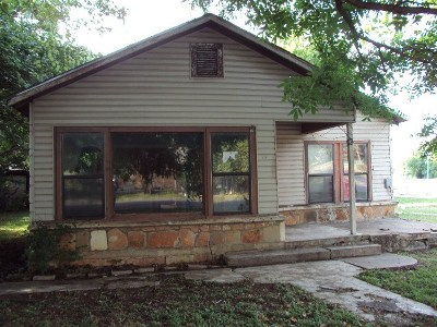 Round Rock Single Family Home For Sale: 412 E Anderson Ave