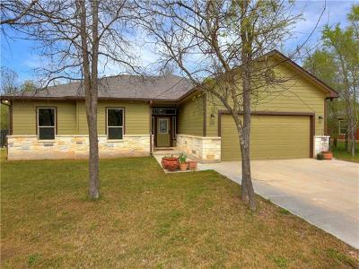 Bastrop Single Family Home For Sale: 200 Waipahoehoe Dr