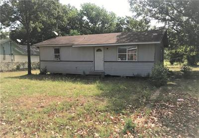 Single Family Home For Sale: 2105 N Karnes Ave